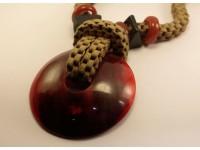Ожерелье из рога