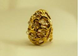 Кольцо с кристаллами Сваровски в золоте