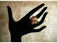 Кольцо с опалом в золоте