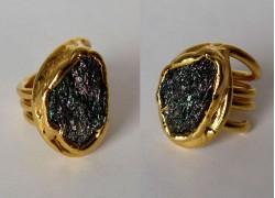 Кольцо с висмутом в золоте