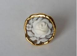 Кольцо с розочкой в золоте