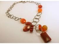 Ожерелье серебряное с корналином