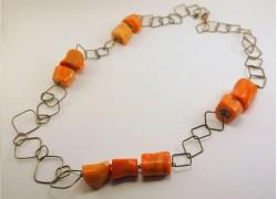 Ожерелье серебряное с кораллом
