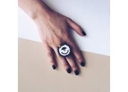 Кольцо с часовым механизмом