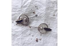 Серьги круглые с жемчугом и графитом из бронзы