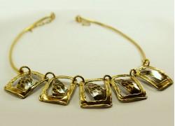 Ожерелье металлическое
