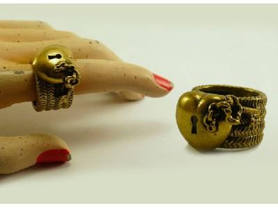 """Кольцо из бронзы """"Сердце с ключиком"""""""