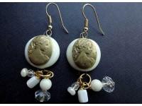 Серьги из стекла Мурано белые с камеей