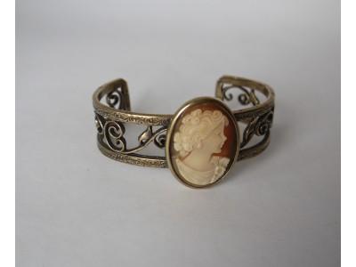 Браслет из бронзы с Викторианской камеей
